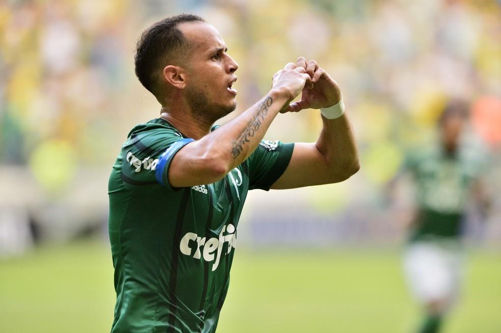 """Fluminense procurou Palmeiras por """"pacotão""""; Scarpa pode ser """"moeda de troca"""""""