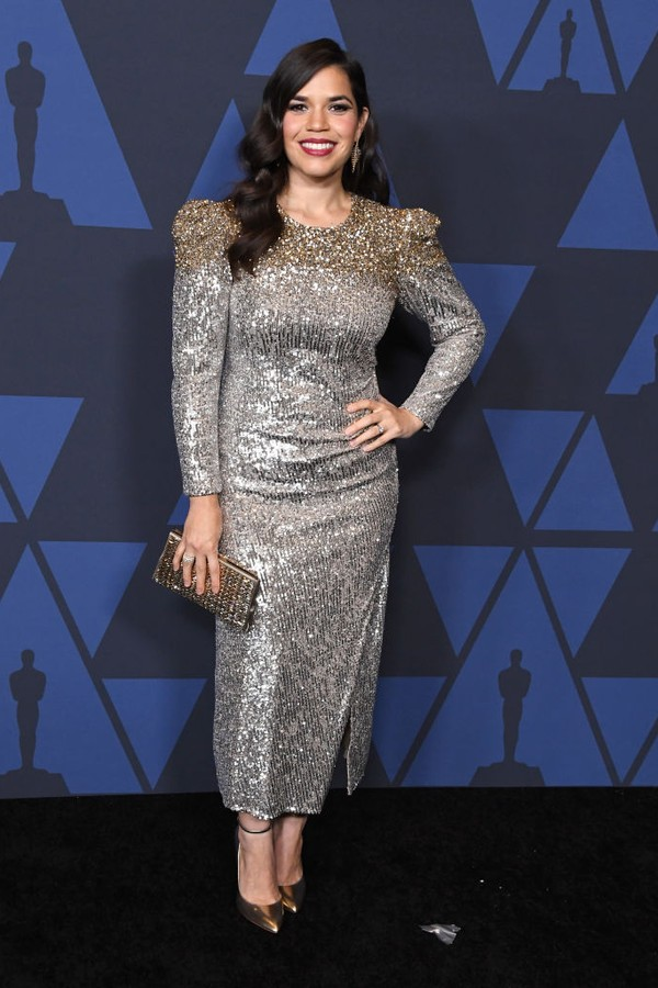 HOLLYWOOD, CALIFORNIA - OCTOBER 27:  America Ferrera arrives at the Academy Of Motion Picture Arts And Sciences' 11th Annual Governors Awards at The Ray Dolby Ballroom at Hollywood & Highland Center on October 27, 2019 in Hollywood, California. (Photo by  (Foto: WireImage)