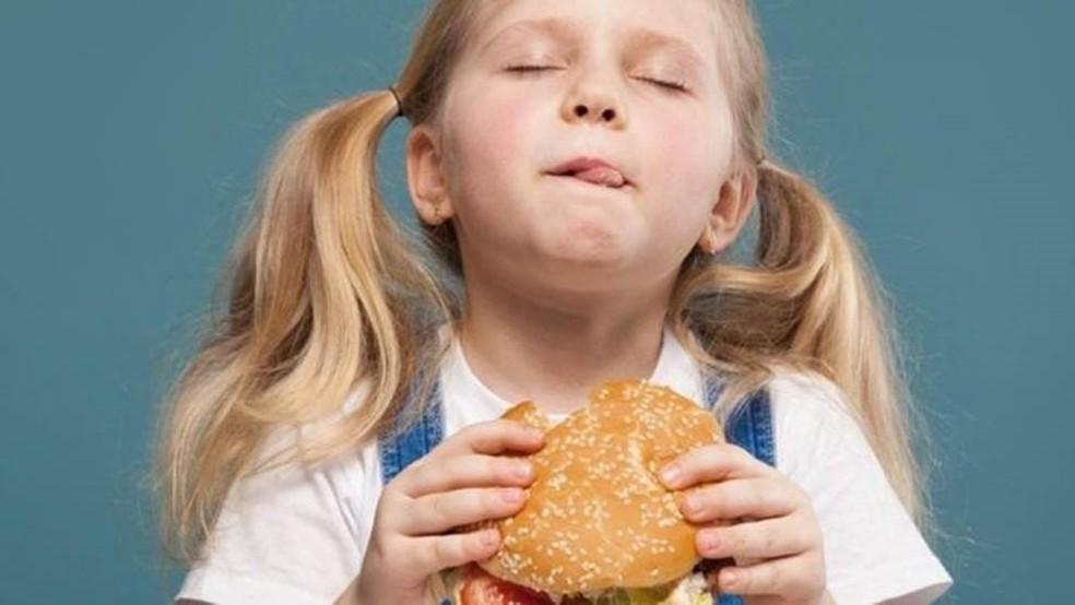 Os desejos por comida podem não refletir o que nosso corpo precisa de nutrientes — Foto: Getty Images