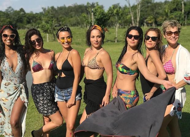 Aline Dias, Malu Falangola, Talita Younan, Nathalia Serra, Carol Castro, Rafaela Mandelli e Regiane Alves,  (Foto: Reprodução/Instagram)