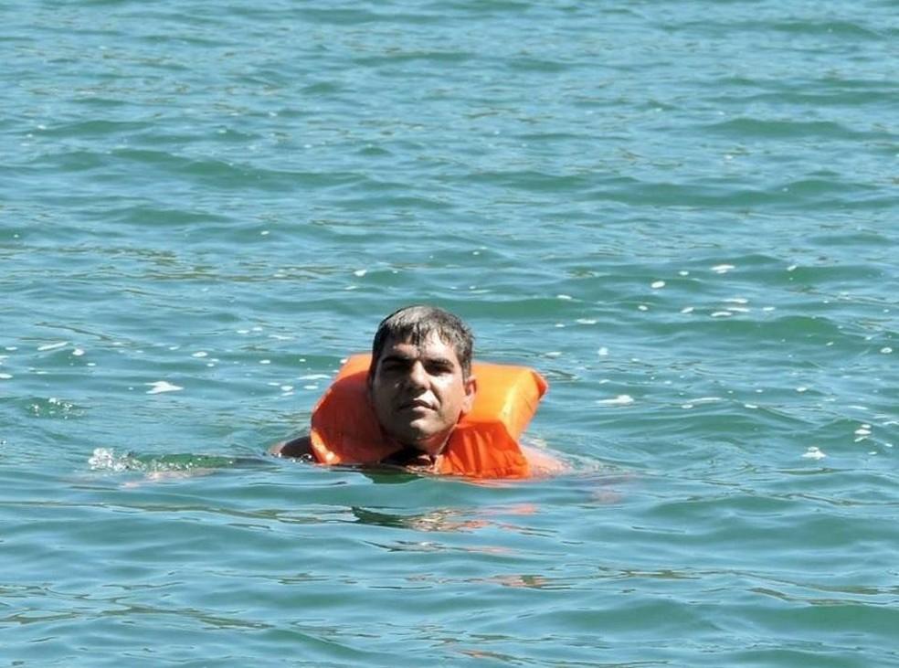 Militar participava de um mergulho quando foi sugado em represa na zona rural de Paracatu (Foto: Corpo de Bombeiros/Divulgação)