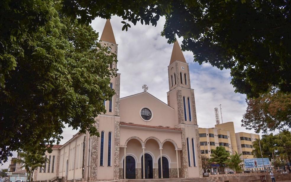 Igreja de Formosa, Goi�s — Foto: Vitor Santana/G1