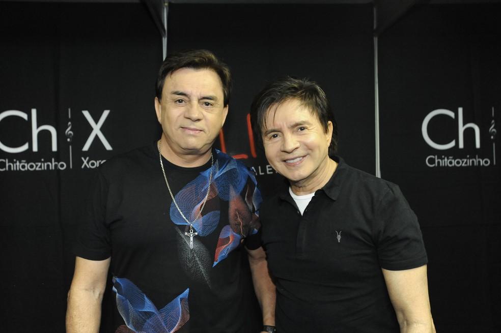 Chitãozinho e Xororó celebram os 50 anos de carreira com disco, show e livro — Foto: Júlio Cesar Costa / G1