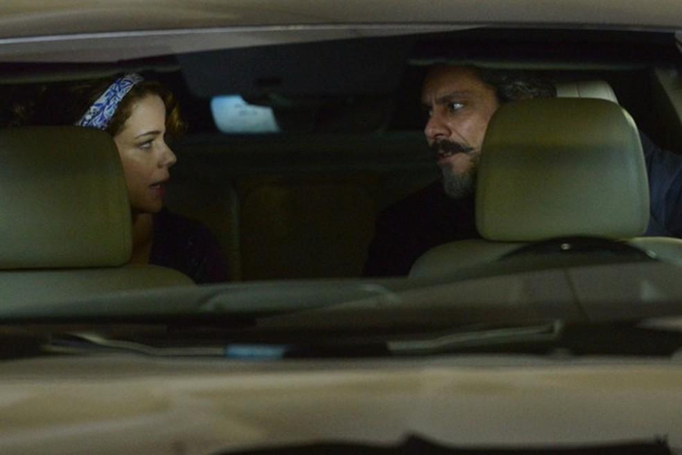 Cristina (Leandra Leal) diz a José Alfredo (Alexandre Nero) que mudou de ideia sobre o exame de DNA - 'Império' — Foto: Raphael Dias/Globo