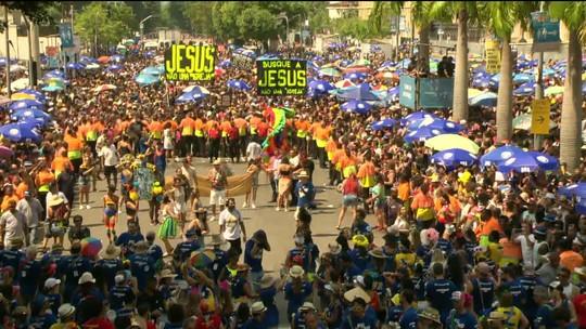 Monobloco agita pós-carnaval no Centro do Rio