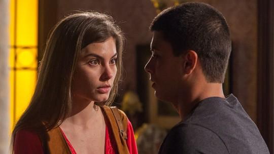 Últimos capítulos: Bianca coloca Duca contra parede sobre Nat