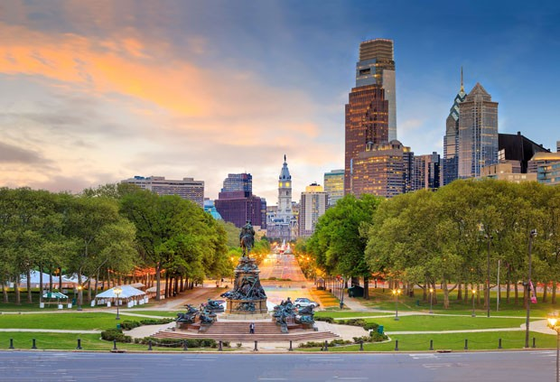 Beautiful philadelphia downtown skyline at sunset USA (Foto: Getty Images/iStockphoto)