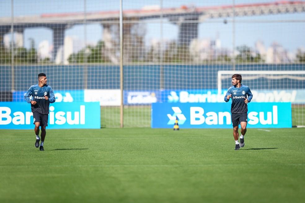 Grêmio retomou treinos com distanciamento nesta quinta-feira — Foto: Lucas Uebel/Grêmio FBPA