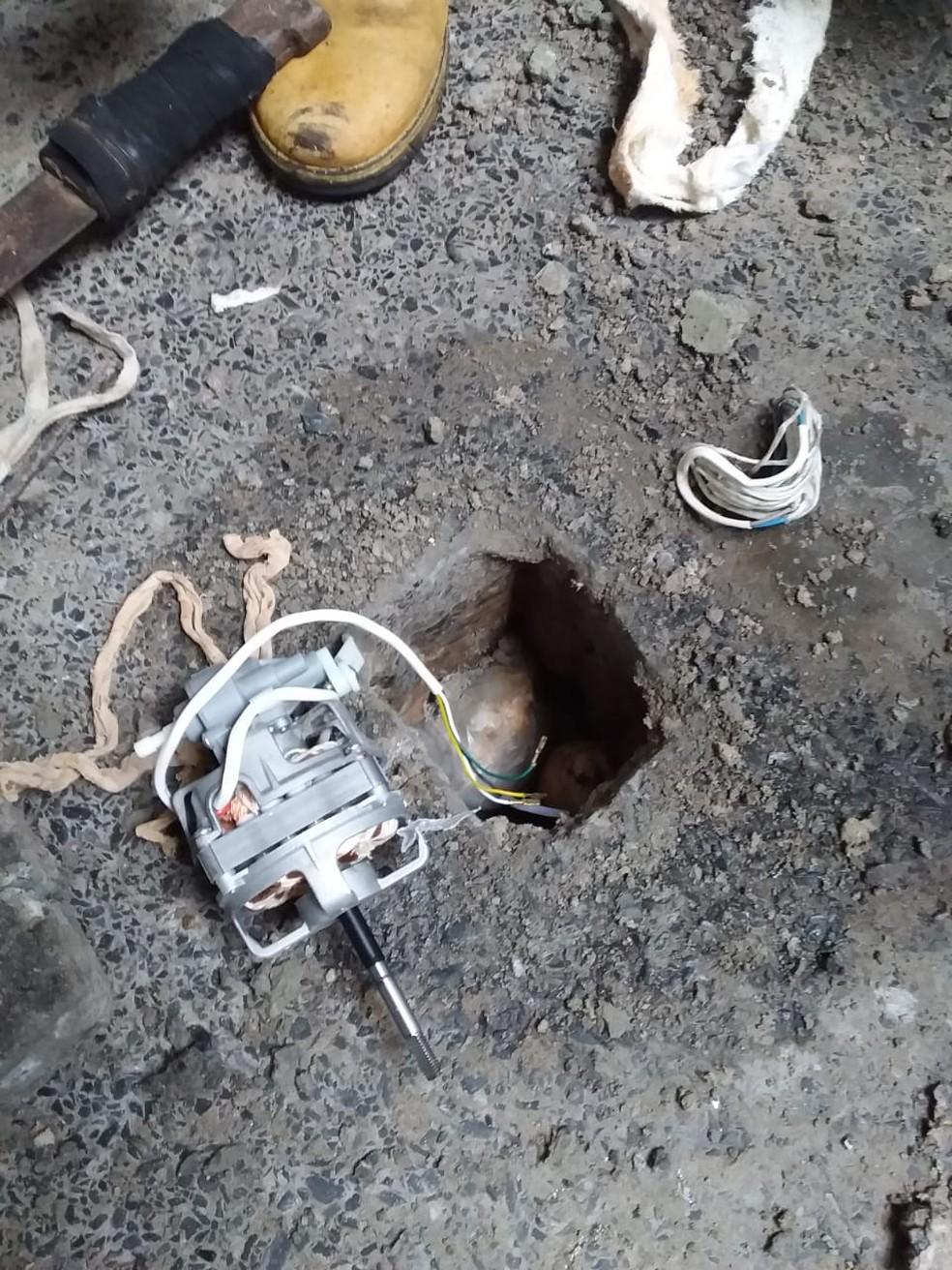 Equipamentos utilizados para perfuração foram apreendidos — Foto: SESP-MT