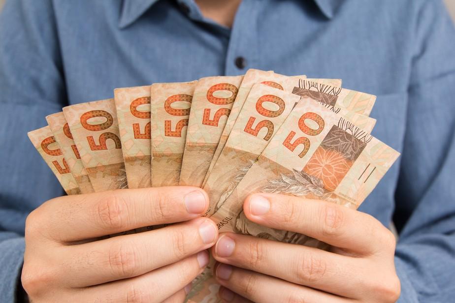Saque do FGTS de R$ 998 começa hoje
