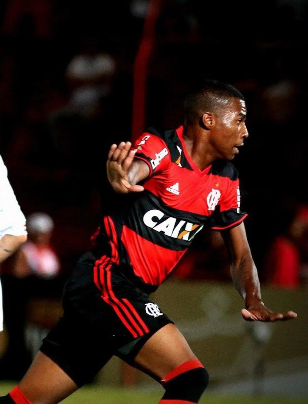 e529f3287bd69 ... Jean Lucas comemora gol pelo sub-20 do Flamengo  depois de dois anos  como