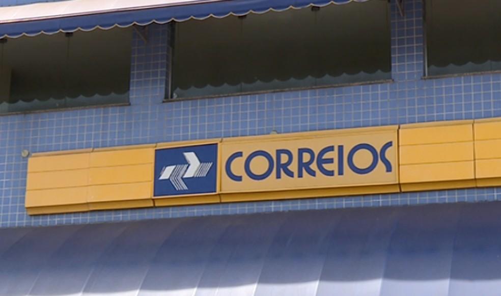 Funcionários dos Correios voltam ao trabalho — Foto: Márcio Silveira/EPTV