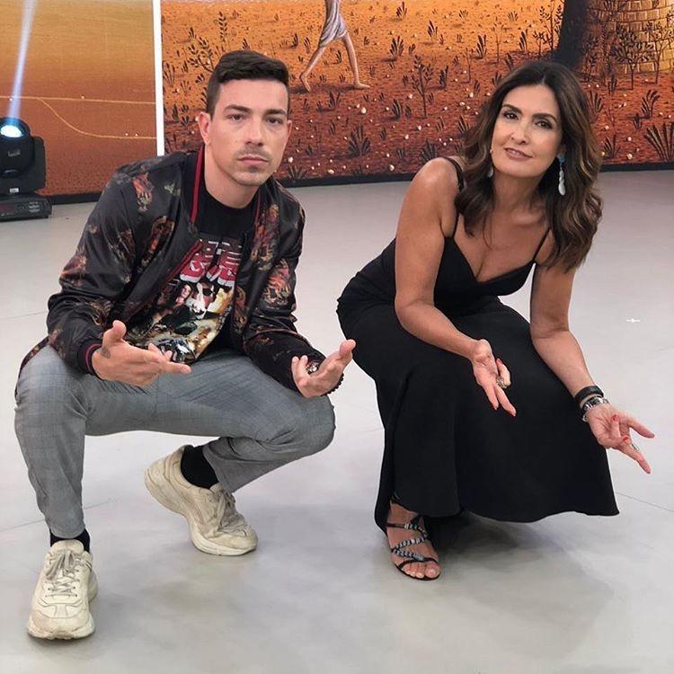 Di Ferrero e Fatima Bernardes fazem a pose da quebrada (Foto: Reprodução/Instagram)