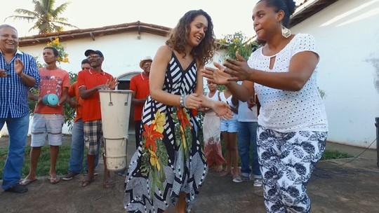 Renata Menezes cai na dança