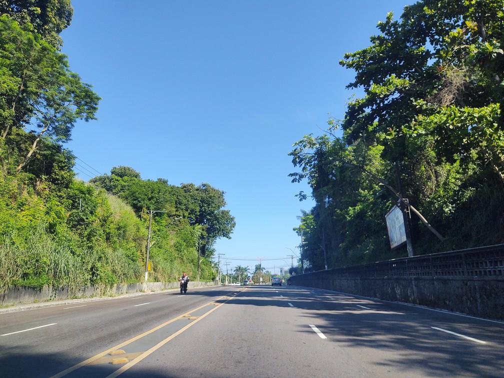Avenida Recife na manhã desta quarta-feira, 25 de março — Foto: Eliana Nascimento/G1 AM