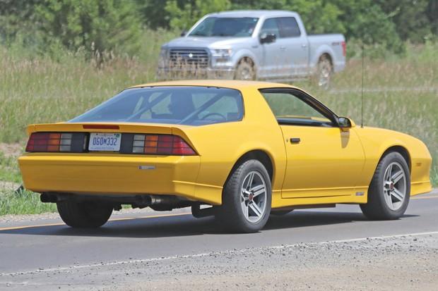 O cupê aparentava ter o mesmo conjunto de câmbio e motor (Foto: AutoMedia/Autoesporte)