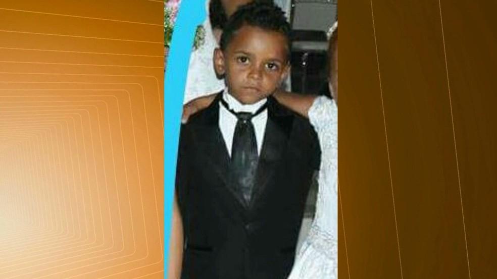 Segundo PM, criança tinha sete anos e não era o alvo dos suspeitos — Foto: Reprodução/TV Paraíba
