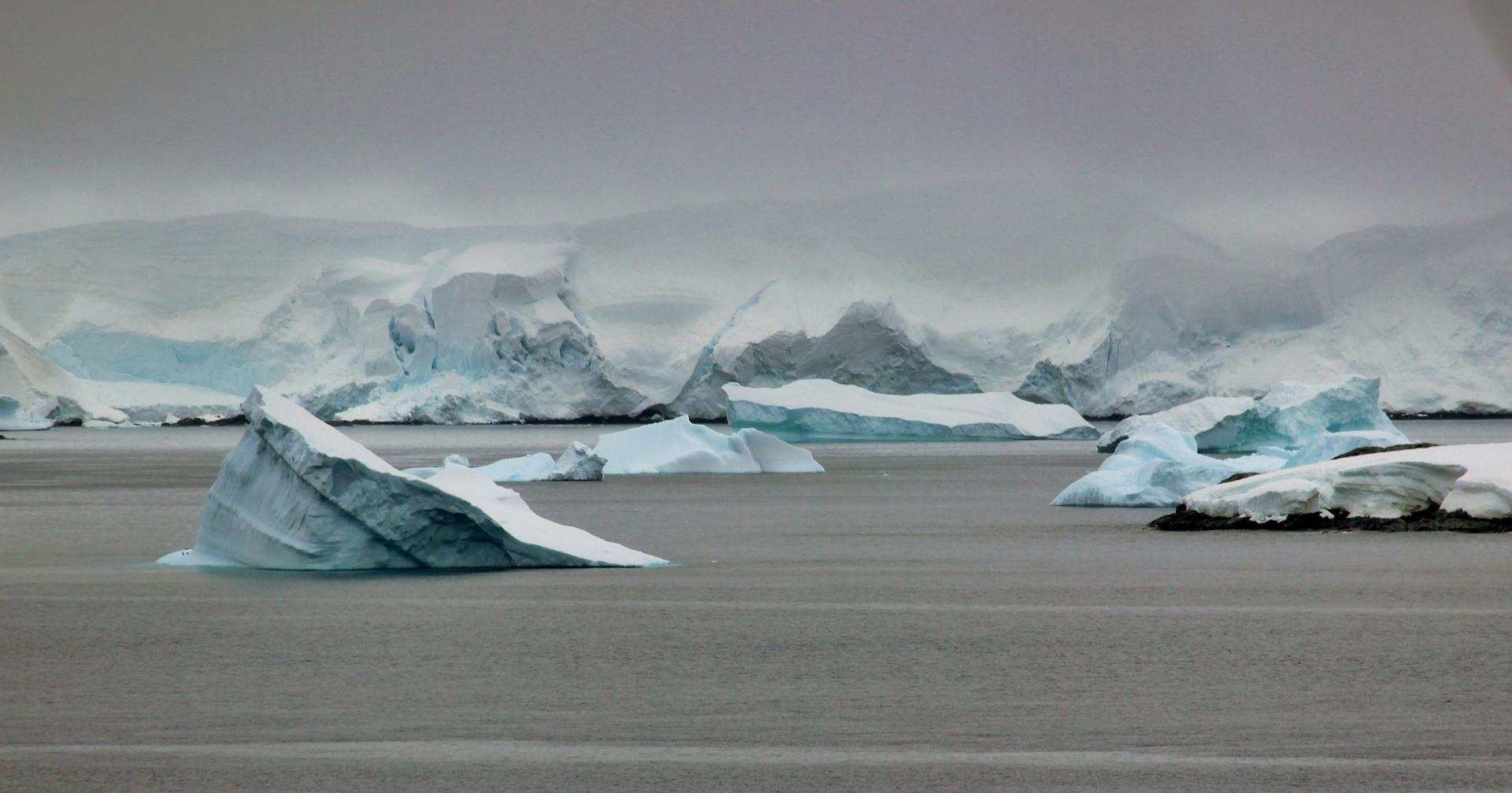 Antártida demanda ação imediata contra o aquecimento global para continuar existindo como a conhecemos.  (Foto: Creative Commons / MariaMichelle)