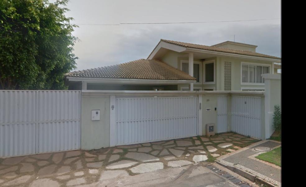 Casa em que senador Romário (Podemos-RJ) morou de 2012 a 2016 — Foto: Google Maps/Reprodução