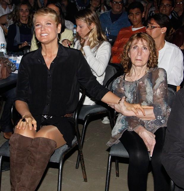 Dona Alda, mãe da Xuxa (Foto: Agnews)
