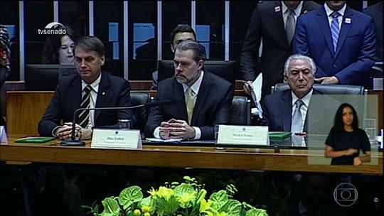 Bolsonaro afirma em Brasília que Constituição é único norte da democracia