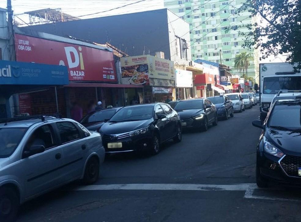 Mulher foi baleada na loja em que trabalha em São Leopoldo — Foto: Arquivo Pessoal
