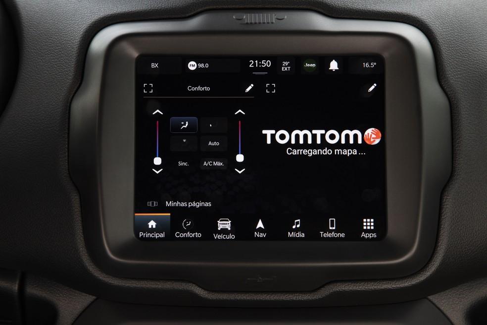 O novo multimídia volta a oferecer mapas e GPS que não dependem de conexão com o celular — Foto: Divulgação
