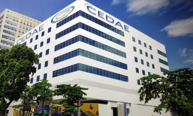Pezão discute venda da Cedae com BNDES e governo federal