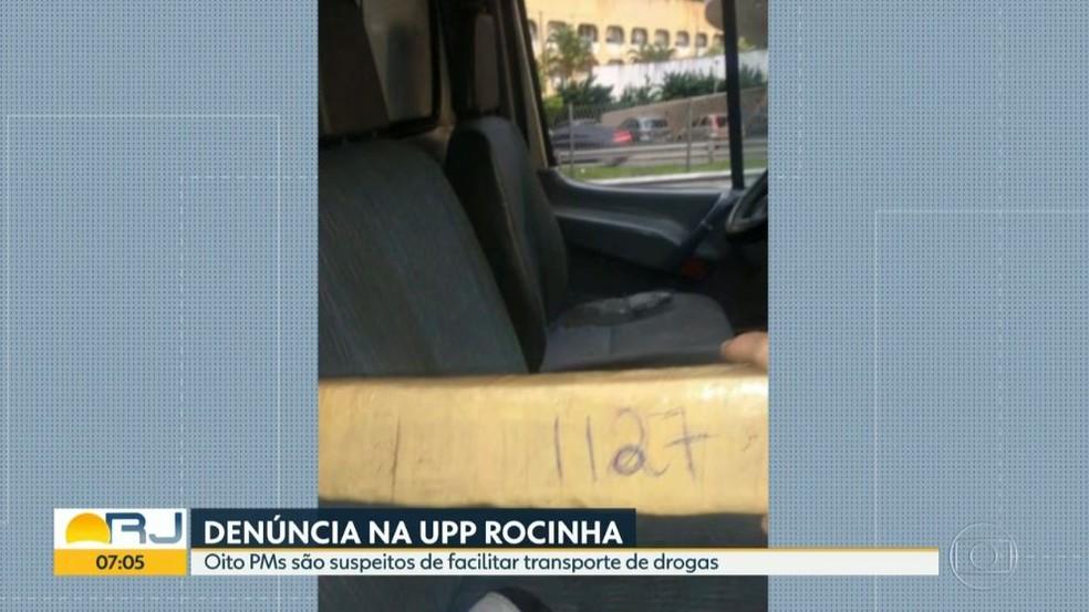 Maconha encontrada dentro de ambulância que saía da comunidade da Rocinha, no Rio (Foto: Reprodução/Bom Dia Rio)