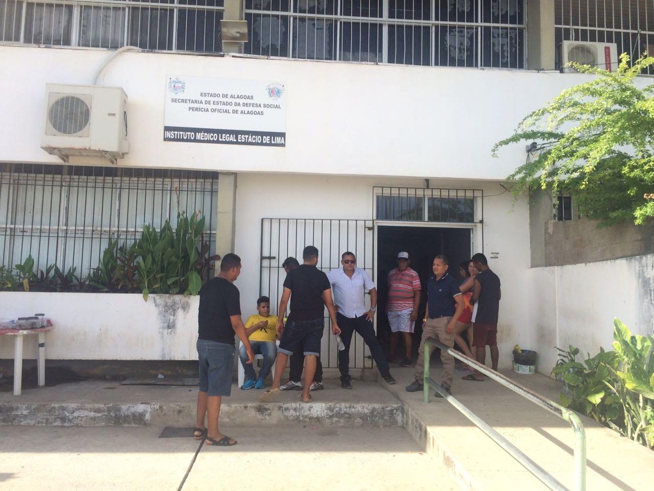Atraso na liberação de corpos em Maceió foi causado por falta de pessoal, diz IML