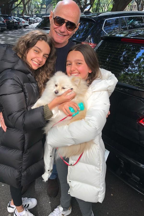 Boechat com as filhas Valentina e Catarina (Foto: Reprodução)