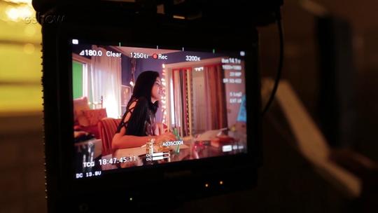 Leandro Hassum diz que gravou no celular as primeiras cenas da filha Pietra em 'A Cara do Pai'