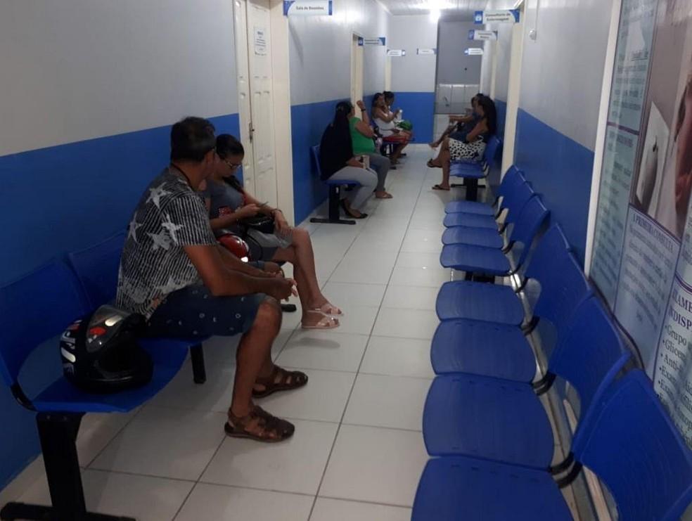 Coordenador de unidade de saúde disse que aguarda reposição de médico no local — Foto: Adelcimar Carvalho/G1
