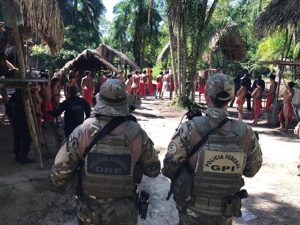 Polícia Federal enviou equipes para investigar morte de líder indígena e possível invasão de reserva no Amapá — Foto: PF/Divulgação