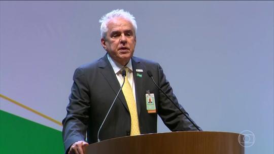 Castello Branco toma posse na presidência da Petrobras e critica monopólios: 'Inadmissíveis'