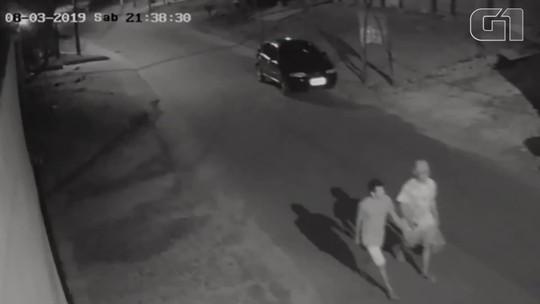 Vídeo mostra suspeitos em direção à serra de Itaitinga, no Ceará, 1h após casal encontrado morto passar pela mesma via