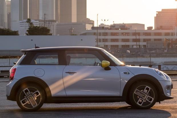 Mini Cooper SE (Foto: Divulgação)