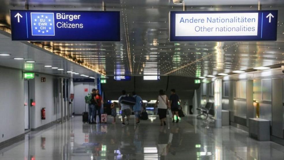 Pandemia de coronavírus e Brexit impedirão turistas britânicos de viajarem à Europa — Foto: Getty Images/BBC