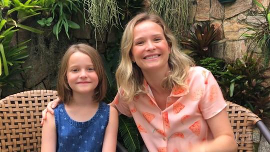 Fernanda Rodrigues conta como a filha decidiu doar cabelo para pacientes com câncer: 'Fiquei muito orgulhosa'