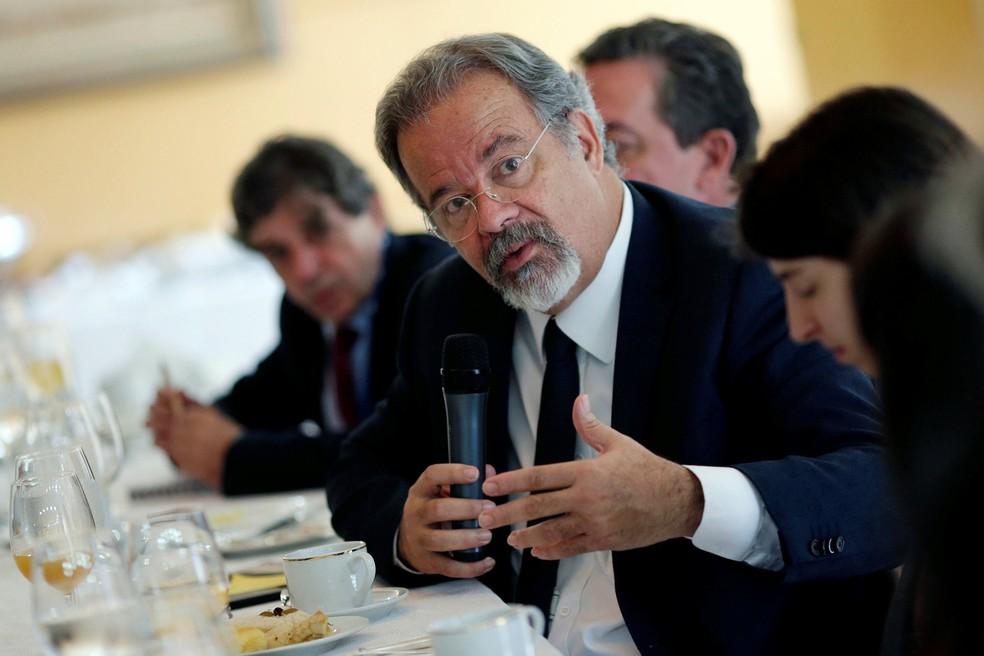 Jungmann em encontro com correspondentes internacionais em Brasília (Foto: Ueslei Marcelino/Reuters)