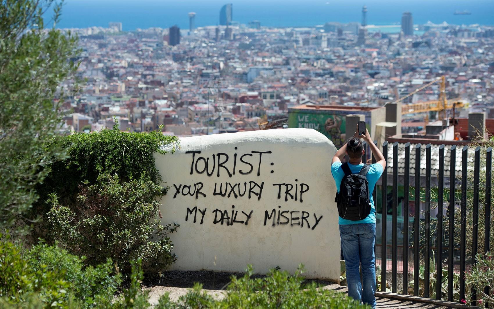 'Turismo excessivo' preocupa e o setor propõe soluções