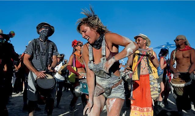 """O Festival Burning Man, nos EUA. Chip se tornou conselheiro porque temia virar """"uma pessoa chata"""" (Foto: Reuters/Jim Urquhart )"""