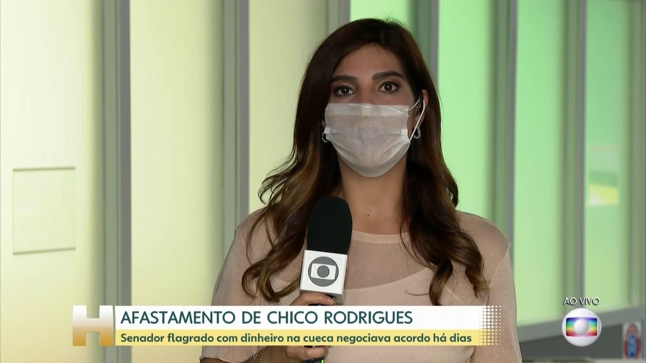 Andréia Sadi: senador flagrado com dinheiro na cueca negociava acordo há dias