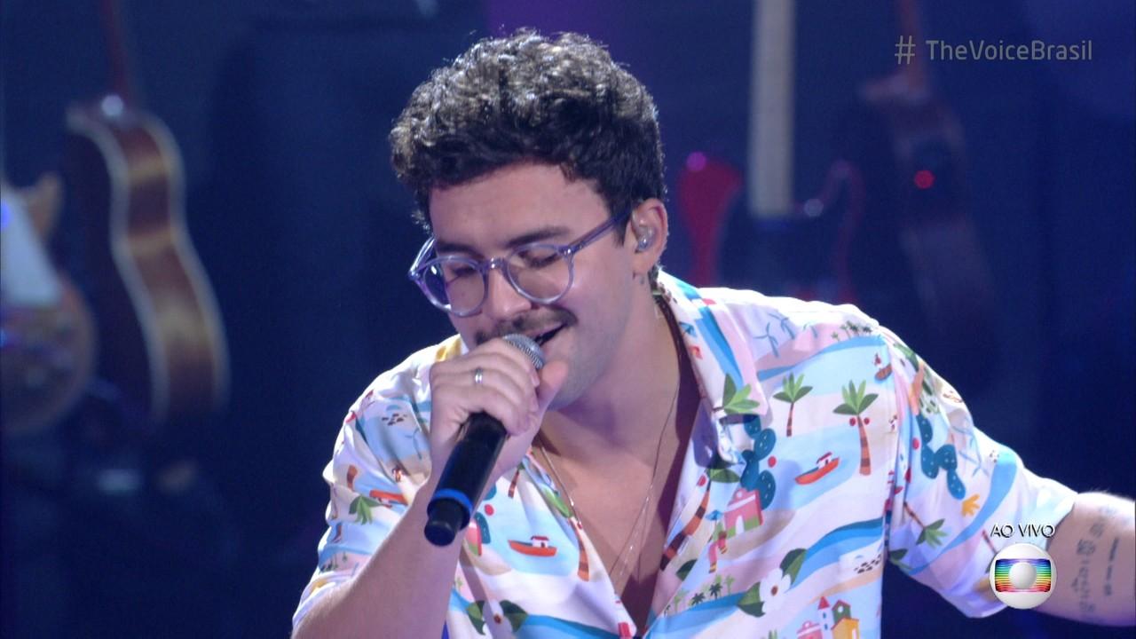 Filipe Toca canta 'Me Abraça'