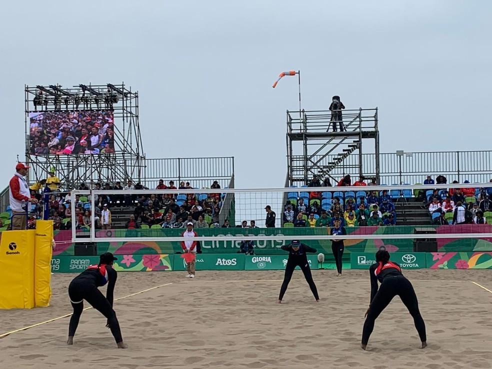 Brasil x Cuba no Pan no vôlei de praia — Foto: Gabriel Fricke/GloboEsporte.com