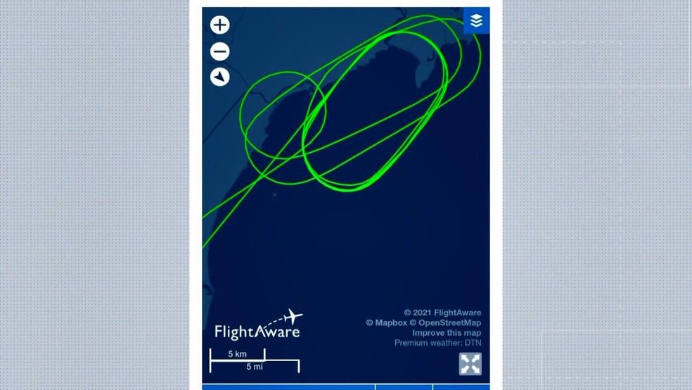 Imagem mostra o trajeto feito em círculos pelo avião no ES em razão do forte vento — Foto: Reprodução/TV Gazeta