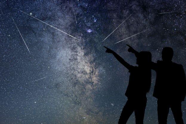 Alguns especialistas não acreditam que será possível definir o local das chuvas de meteoros artificiais com precisão suficiente (Foto: Getty Images via BBC News Brasil)