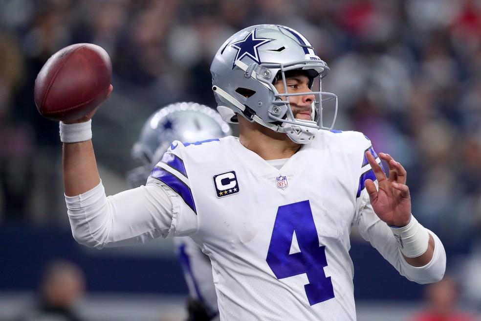 Dak Prescott defende o Dallas Cowboys na NFL — Foto: Getty Images