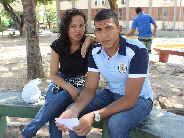 ENEM 2015 - SÁBADO (24) - TERESINA (PI) - Casal perde a prova após lanche (Foto: Josiel Martins)