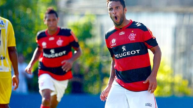 Flamengo deve dinheiro e Ibson deve futebol, afirma jornalista